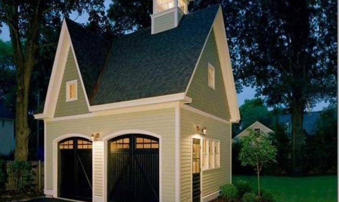 Here Detached Victorian Style Car Garage