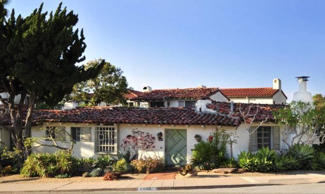 Home Tour Celebrates Cliff May Classic Hacienda Style San Diego