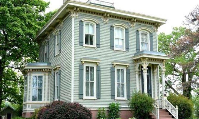 House High Street Villa