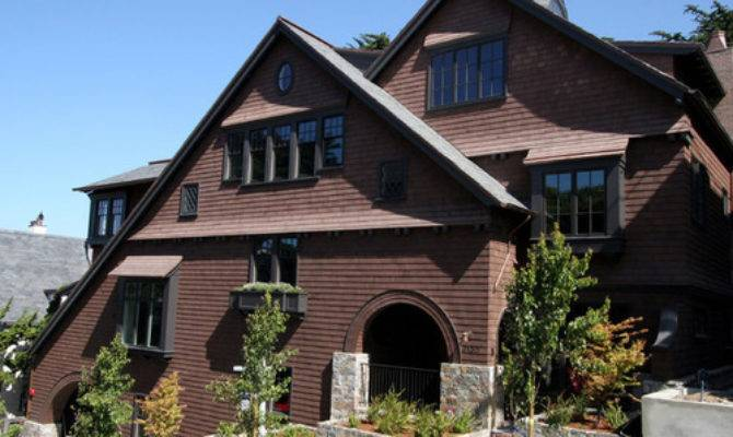 Identify Shingle Style Architecture