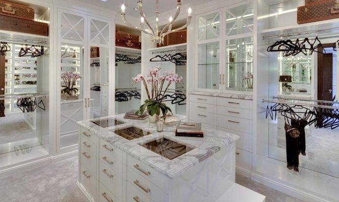 Jeremy Renner Sells Million Holmby Hills Mansion