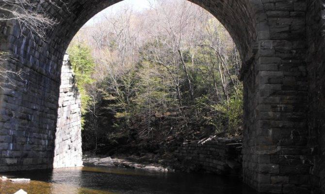 Keystone Arches Travis Hiker