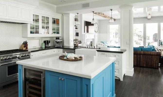 Kitchen Peninsula Pass Through Glass Front
