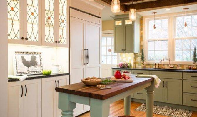 Kitchen Week Renovation Honors New England