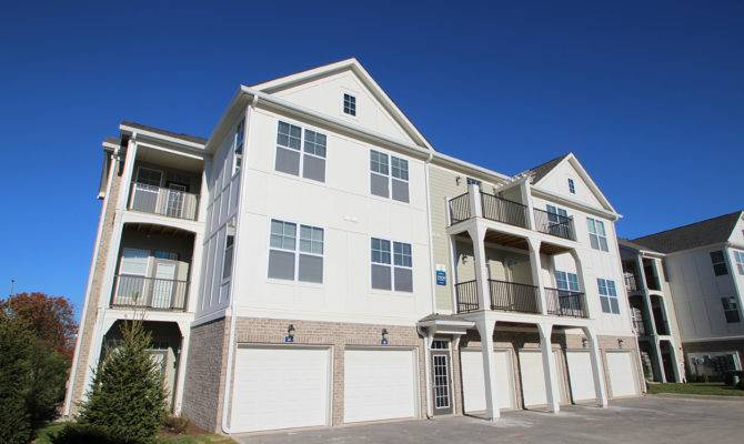 Lakeside Apartments Carmel Hart Companyj