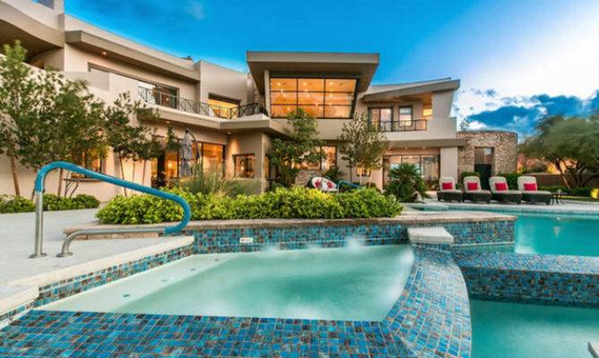 Las Vegas Luxury Homes Not Complete Without Elaborate