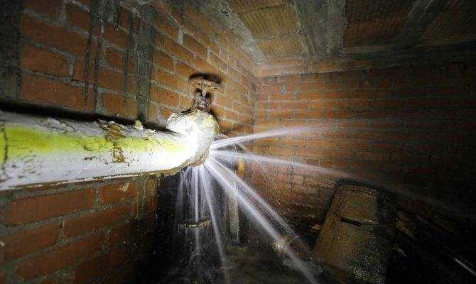 Leaky Government Detroit Water Supply Wasted Ravaged
