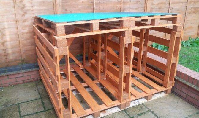 Log Store Out Wood Pallets Diy Pinterest