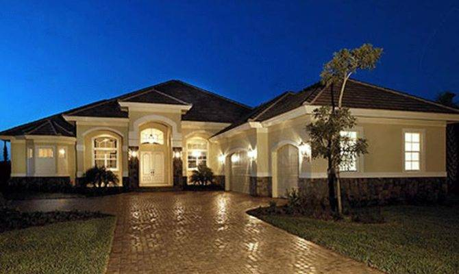 Looking Spacious Single Story Home Check Out Our