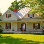 Love Little White Farmhouses