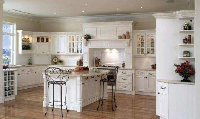 Lovely Shaped Country Kitchens
