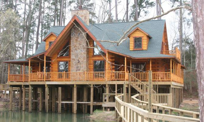 Mid Sized Log Home Baton Rouge Has All