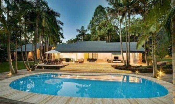 Modern Contemporary Tropical Beach House Swimming Pool