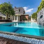 Modern Glass Style Pool Frontyard Backyard Design