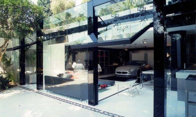 Modern Live Garage