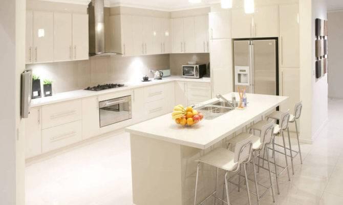 Modern Open Plan Kitchen Design Using Tiles