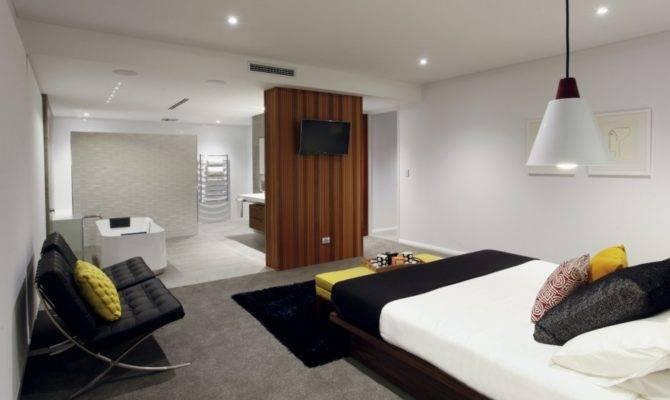 Modern Rectangular Shaped House Boasting Elegantly