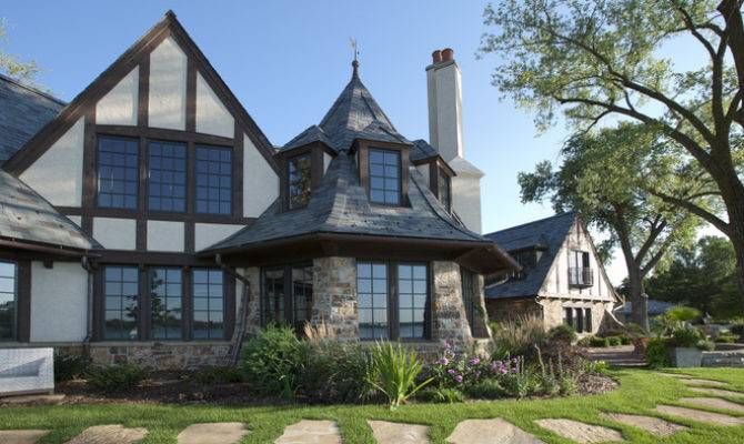 Most Recognizable Features Tudor Home Medieval Homes