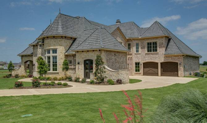 New Custom Home Near Lake Ray Roberts Mother Law Suite