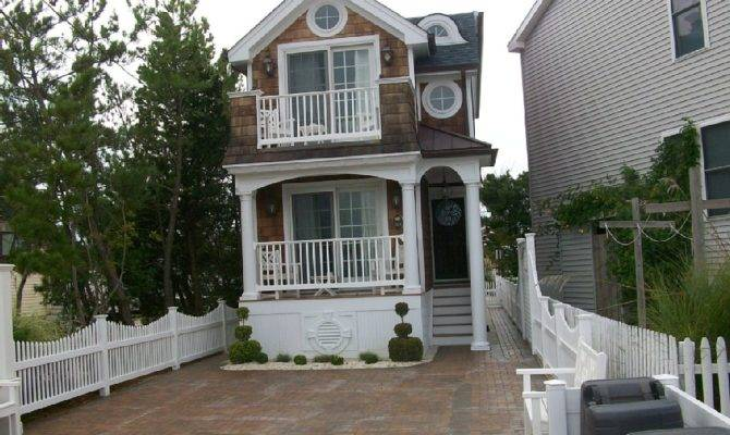 New England Style House Architecture Design