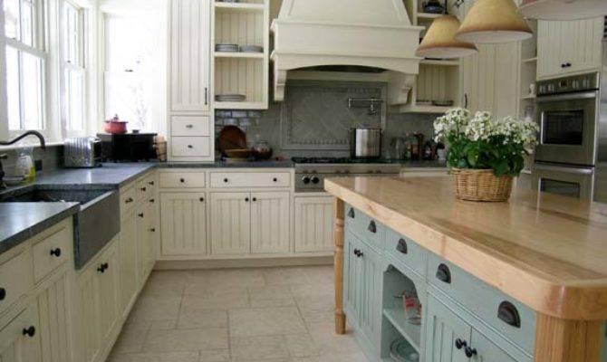New England Style Kitchens