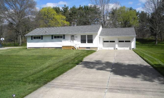 Nice Three Bedroom Ranch Home Summit Cuyahoga Falls Ohio