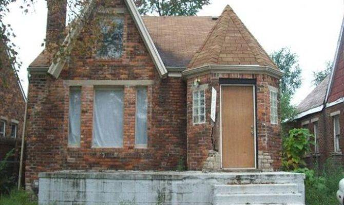 Only Four Bedroom Two Bathroom Detroit House Yours