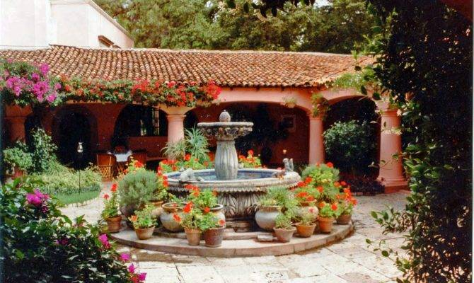 Panoramio Typical Mexican Courtyard