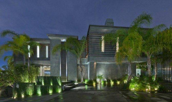 Passion Luxury Bachelor House