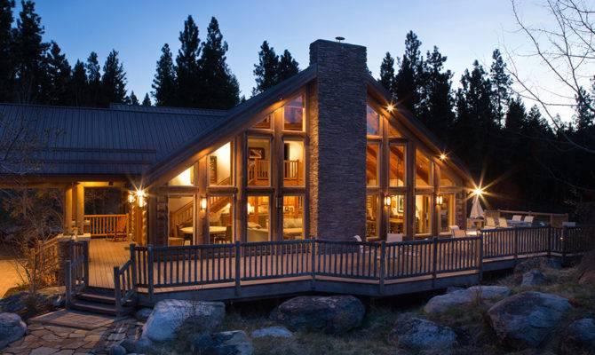 Ponderosa Exterior Evening Triple Creek Ranch