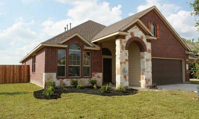 Positioned Corner Lot Combination Brick Stone