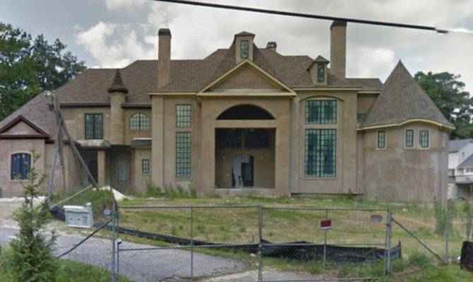 Real Housewife Atlanta Sues Over Hideous Mansion