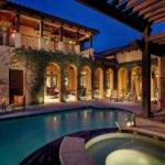 Shape Spanish Style Home Courtyard Pool Think Would
