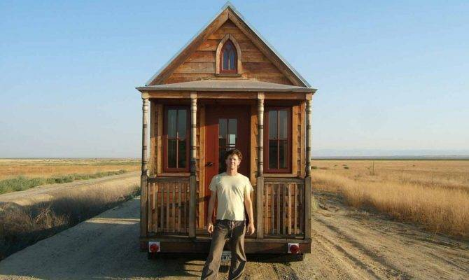Simple Homes Build Tiny Shelter