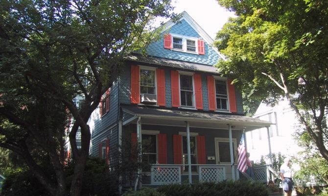 Small Victorian Home Kus