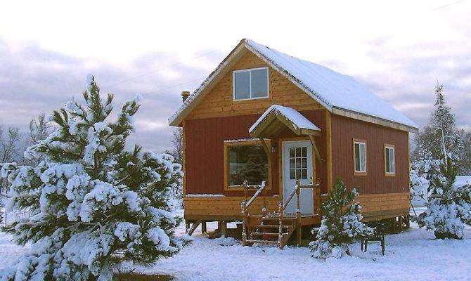 Snug Little Cabin Uses Easy Build Post