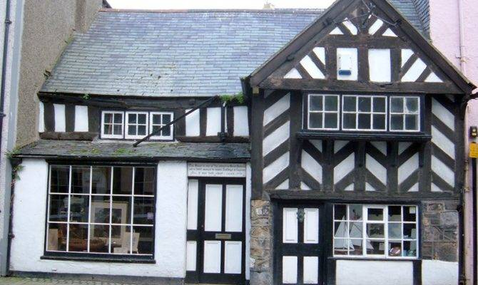 Some Links Help Your Tudor House Research