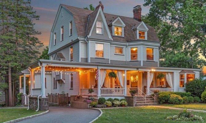 Spectacular Victorian Homes Market