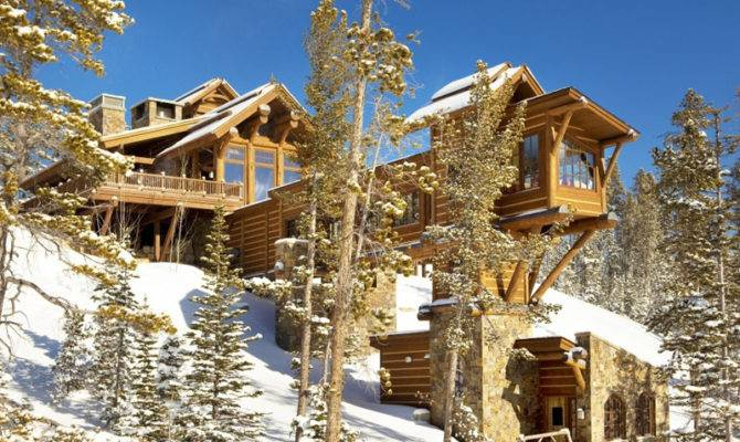 Stone Mountain Chalet Elevator Ski Room