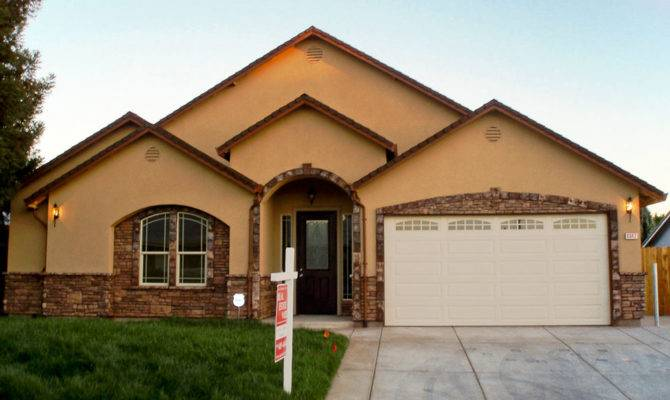 Stucco House Designs Houses Mouldings