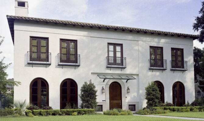 Symmetrical House Street