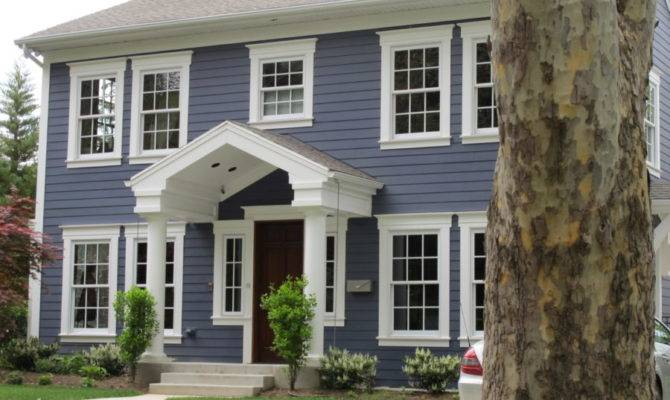 These Colonial Style Homes Have Feeling Warm