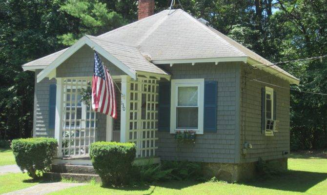Tiny House Sight Seeing Small Bungalow Home Easton