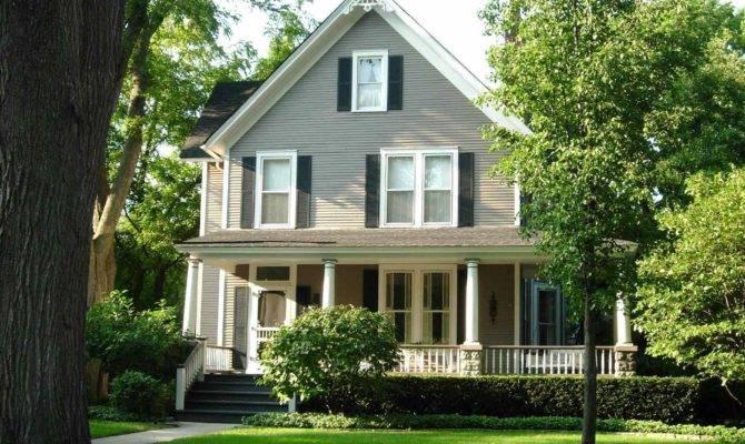 Traditional American Farmhouse Elegant Old