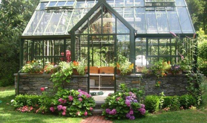 Traditional Landscape Yard Window Chalet