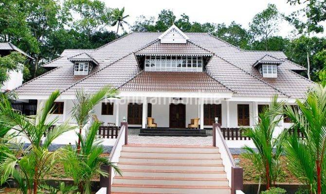 Traditional Malayali Home Design Square Feet