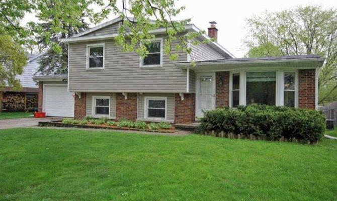 Tri Level Home Sale Portage Details