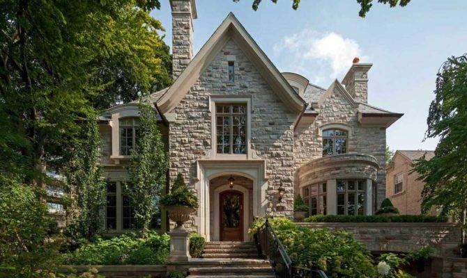 Tudor Home Style Crumbling Stone Wall Theme
