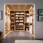Walk Closet Hall