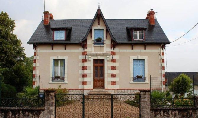 Wcs Very Symmetrical House